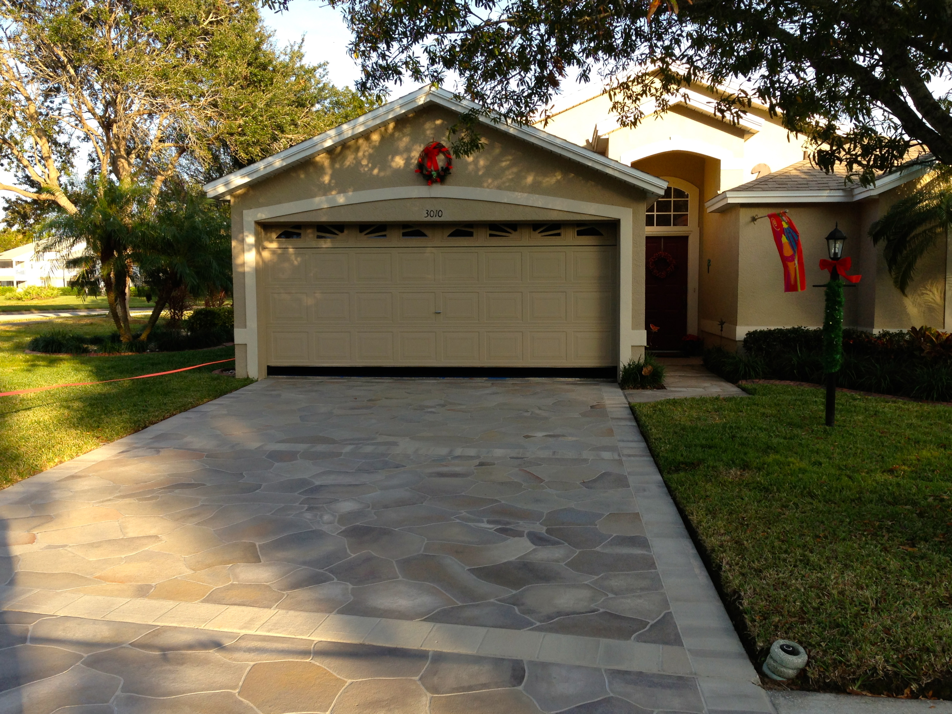 winter park driveway with amazing curb appeal