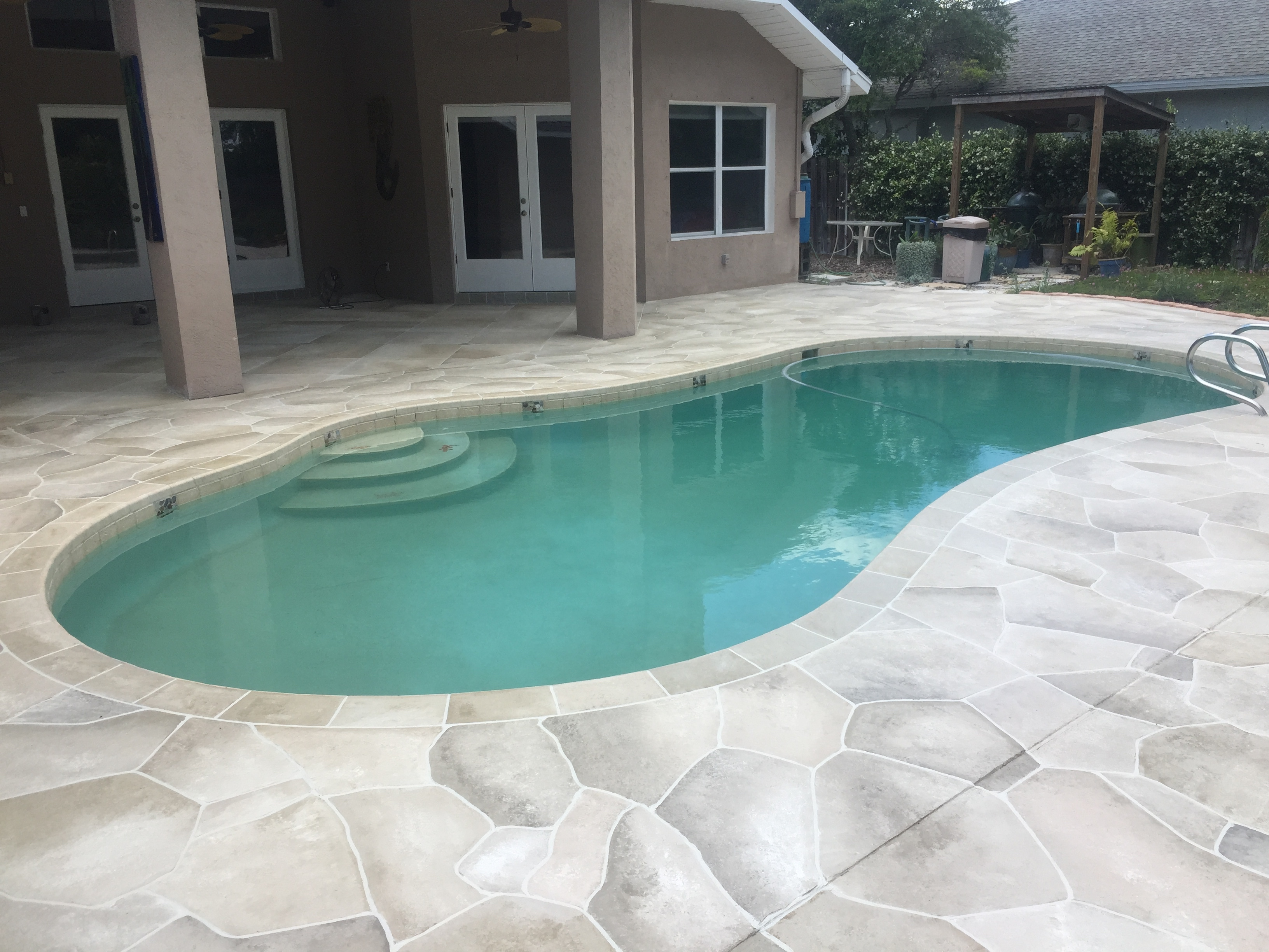 Flagstone And Travertine Tile Pool Deck